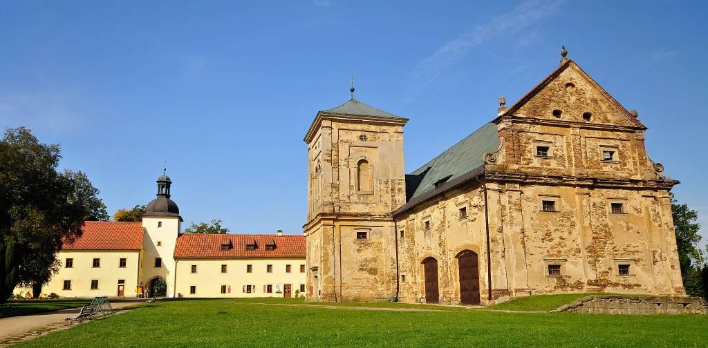 West bohemen tepla klooster eetzaal bibliotheek - Bibliotheek balances ...