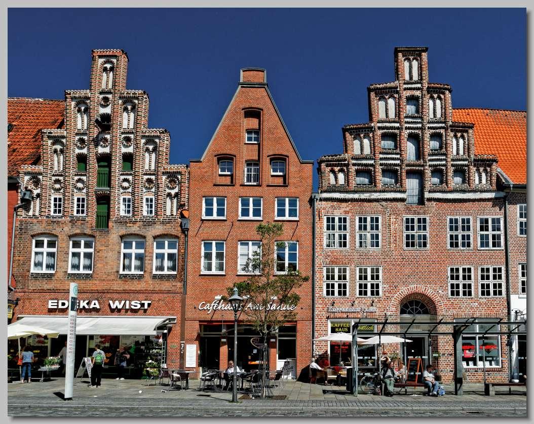 L neburg in de l neburger heide duitsland - Gevels van hedendaagse huizen ...